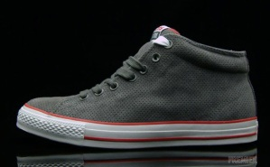 Converse – Mid High Tops